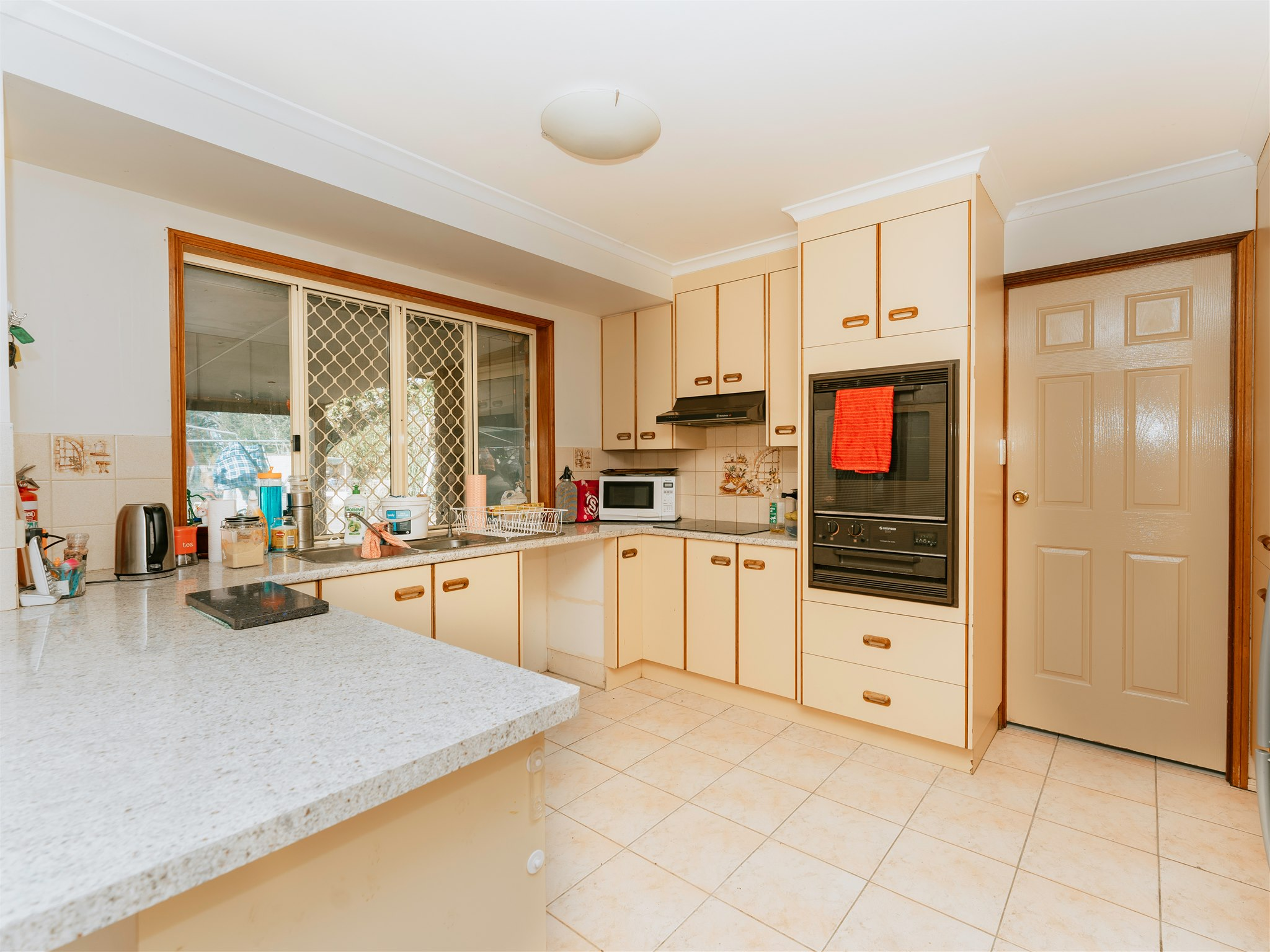 128 McCarthy Road... AVENELL HEIGHTS