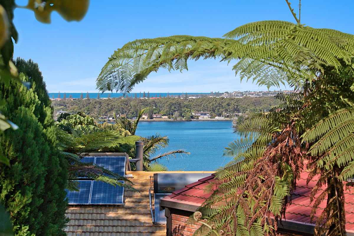 6 Clifford Cres, Banora Point
