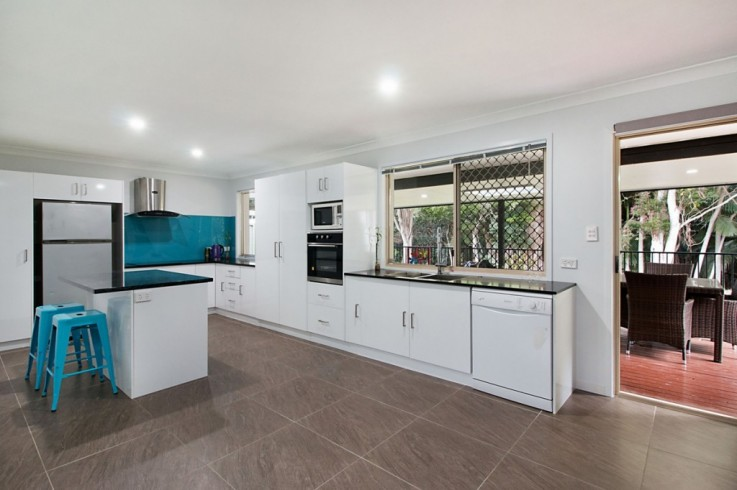 33 Lilly Pilly Drive