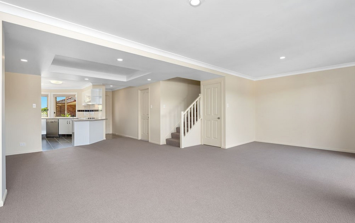 24/4 Advocate Place Banora Point