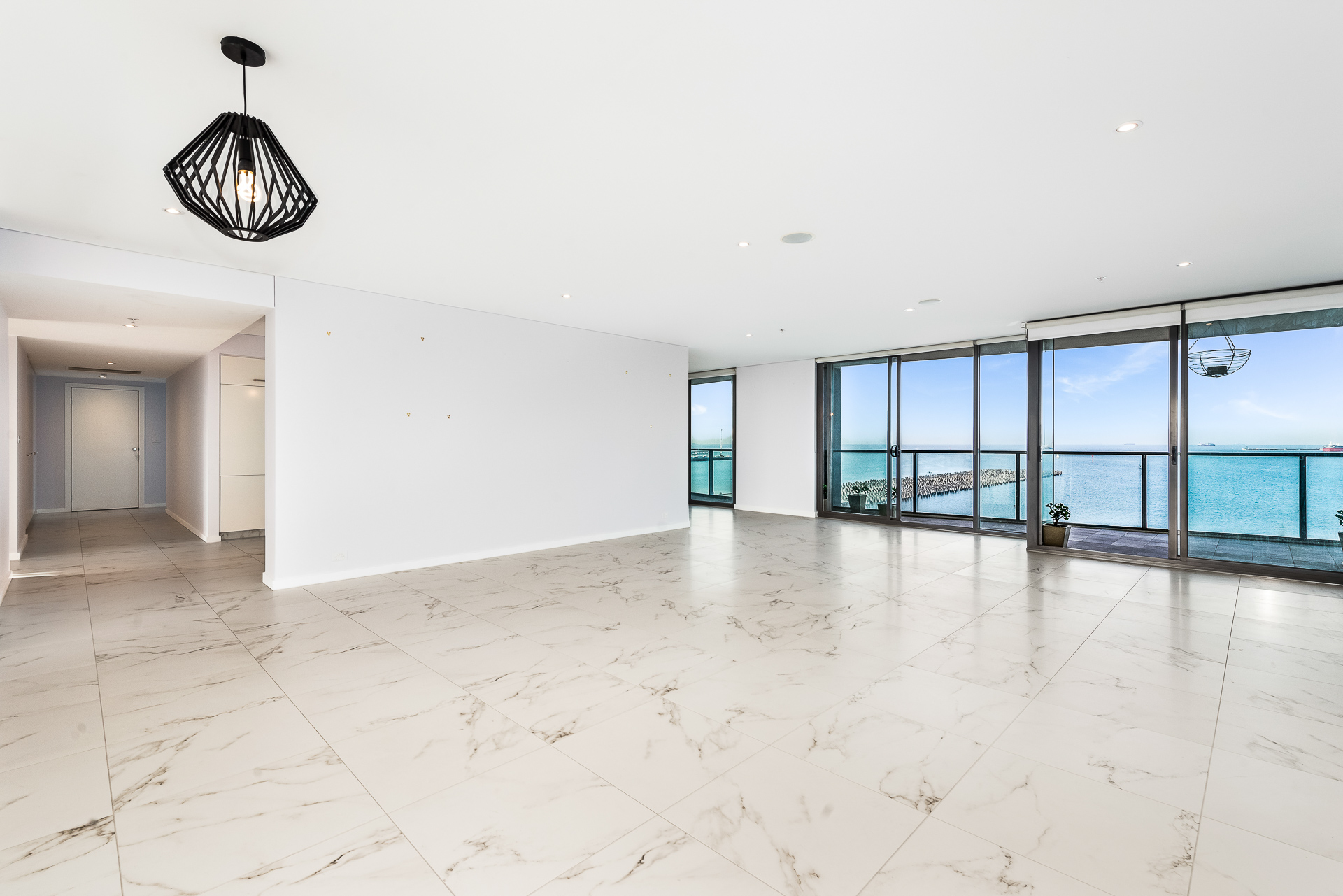 703/155 Beach Street PORT MELBOURNE
