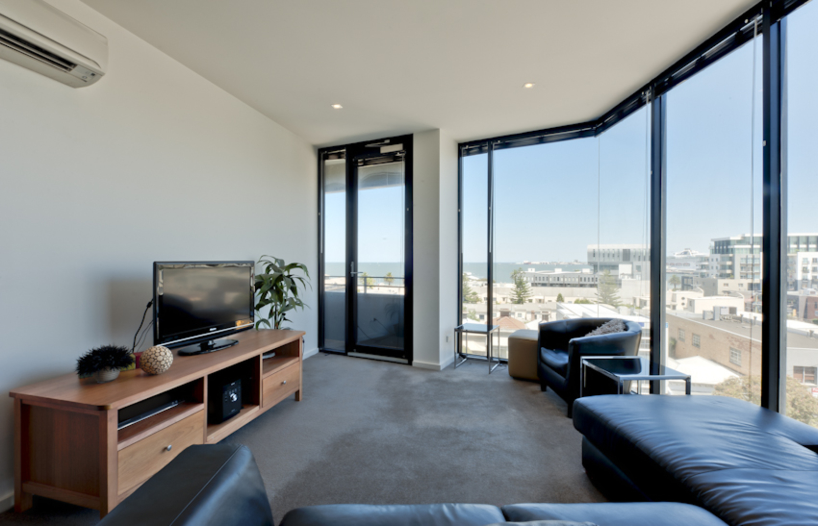 604/55 Bay Street PORT MELBOURNE