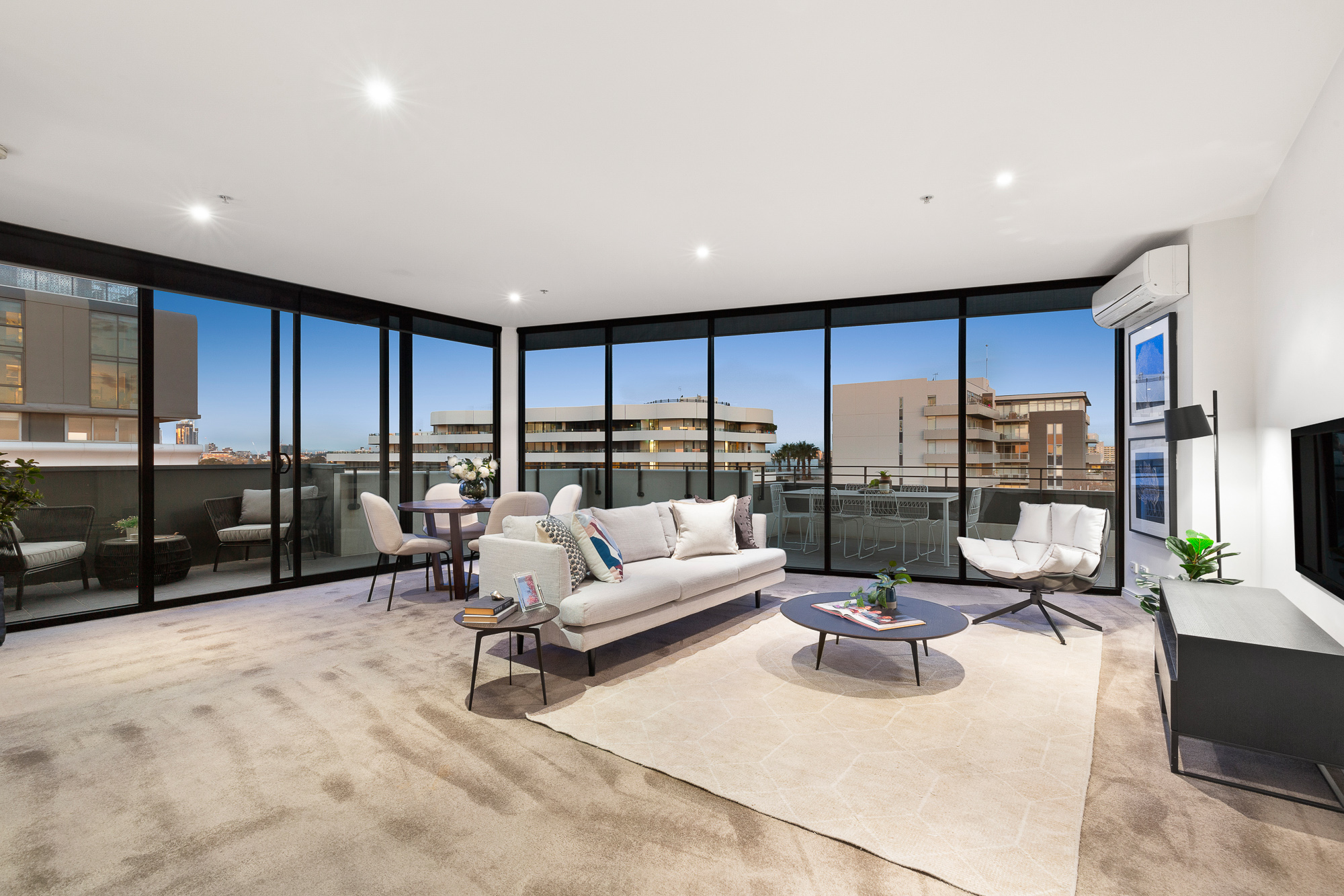 710/57 Bay Street PORT MELBOURNE