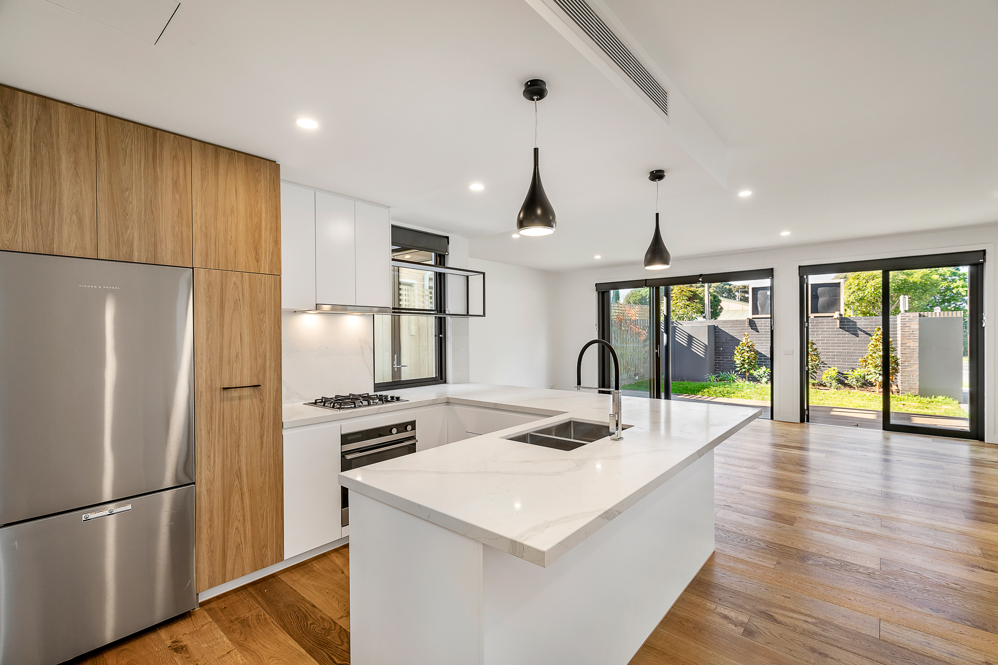 2/123 Kambrook Road CAULFIELD NORTH