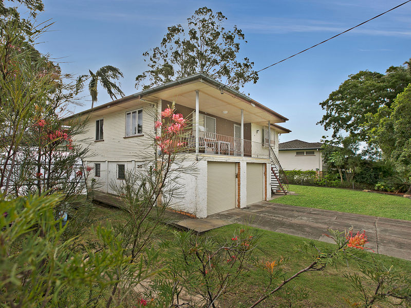 2 Cavanaugh Street WYNNUM WEST