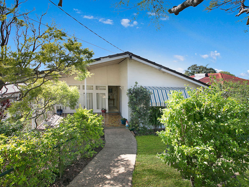146 Raeburn Street MANLY WEST