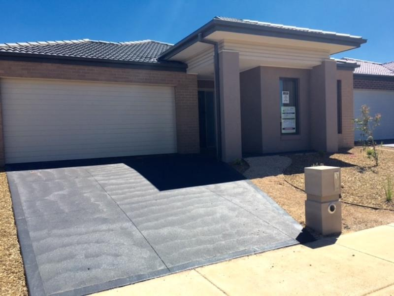 45 Selleck Drive POINT COOK