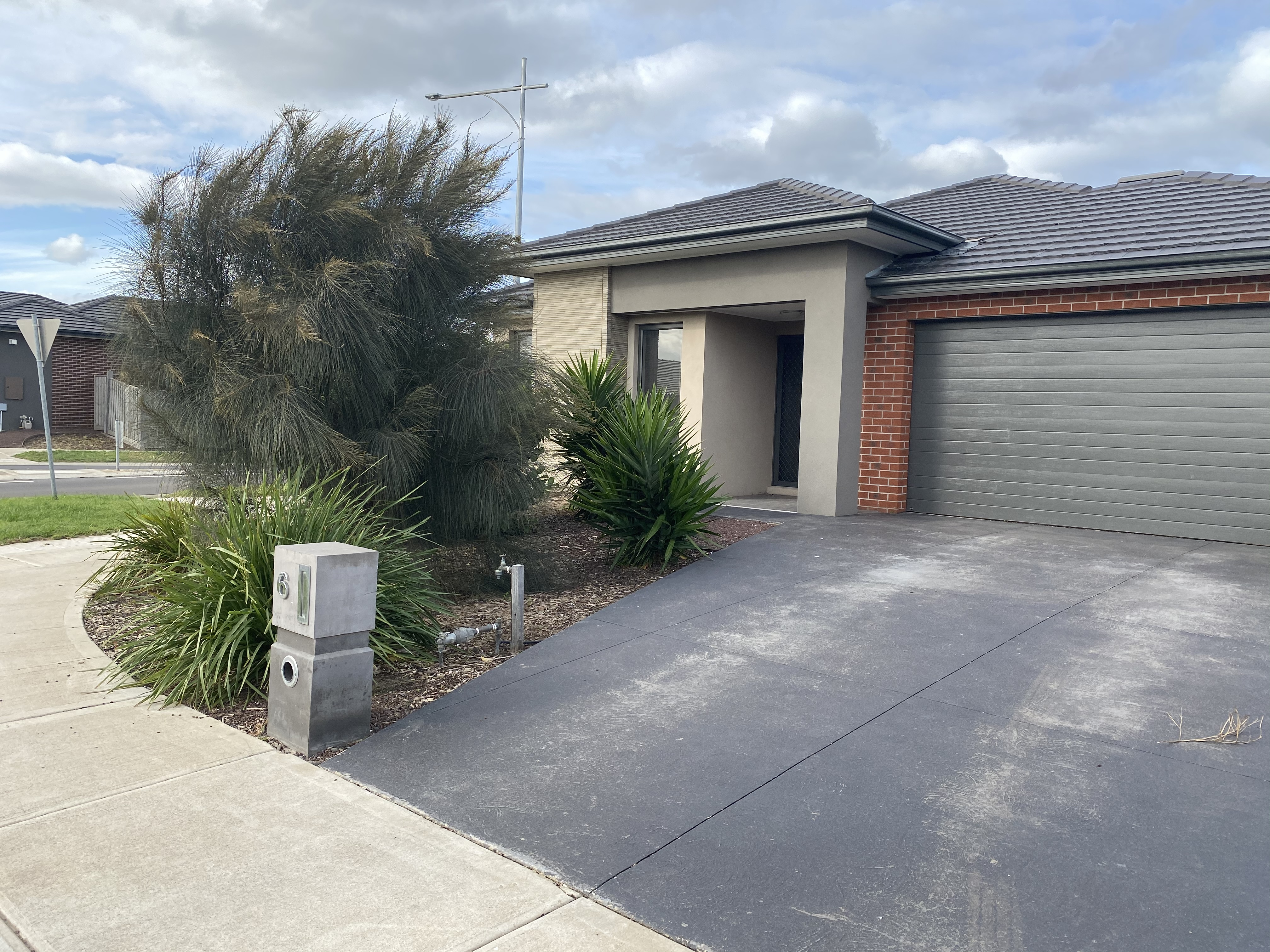 6 Selleck Drive POINT COOK