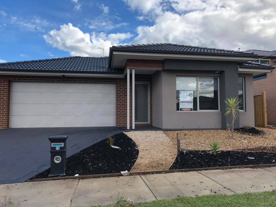 28 Postema Drive POINT COOK