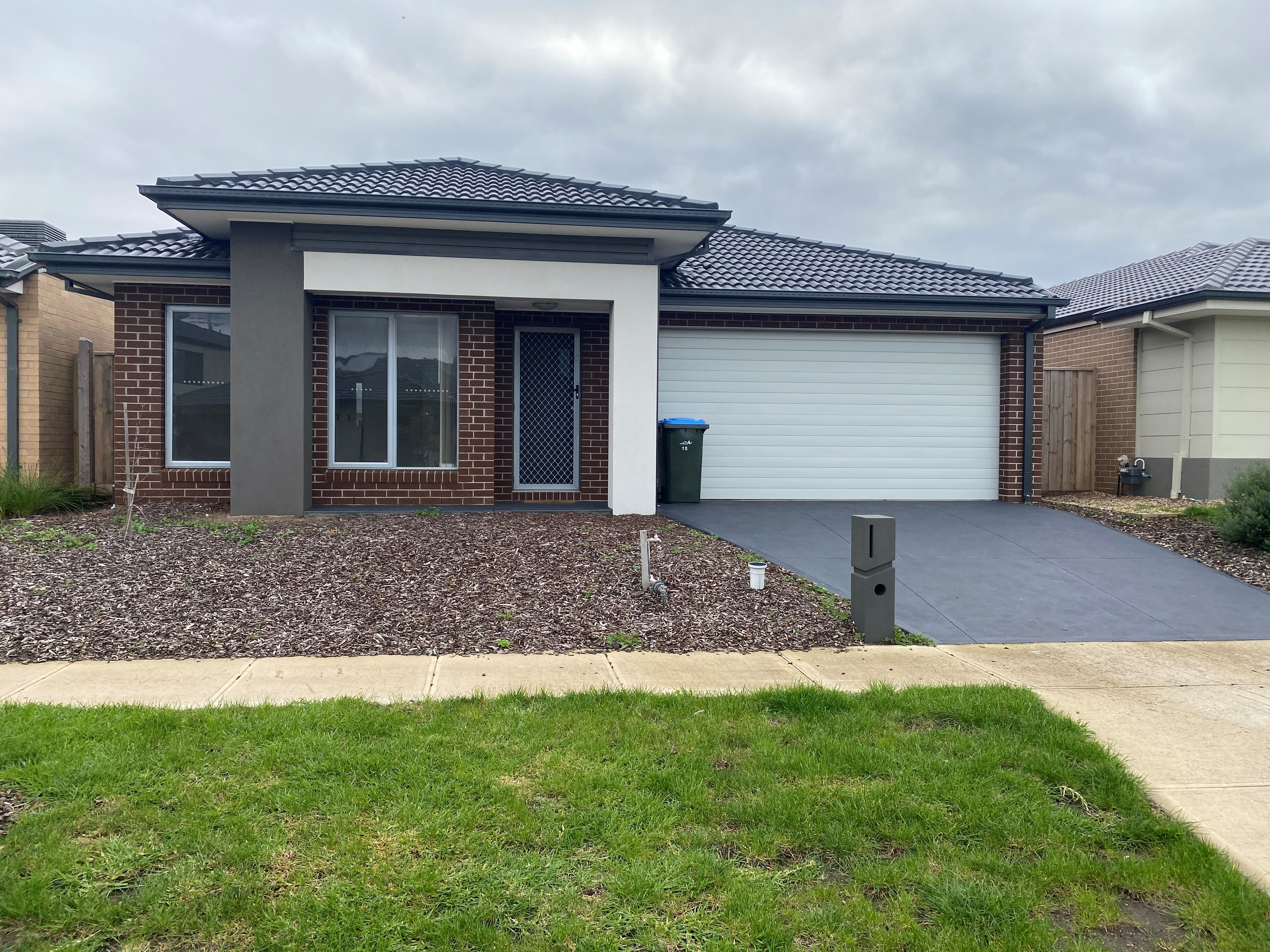 15 Dusty Drive POINT COOK