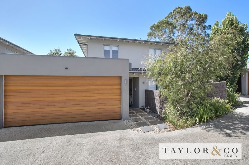 2/189 Mount Eliza Way MOUNT ELIZA