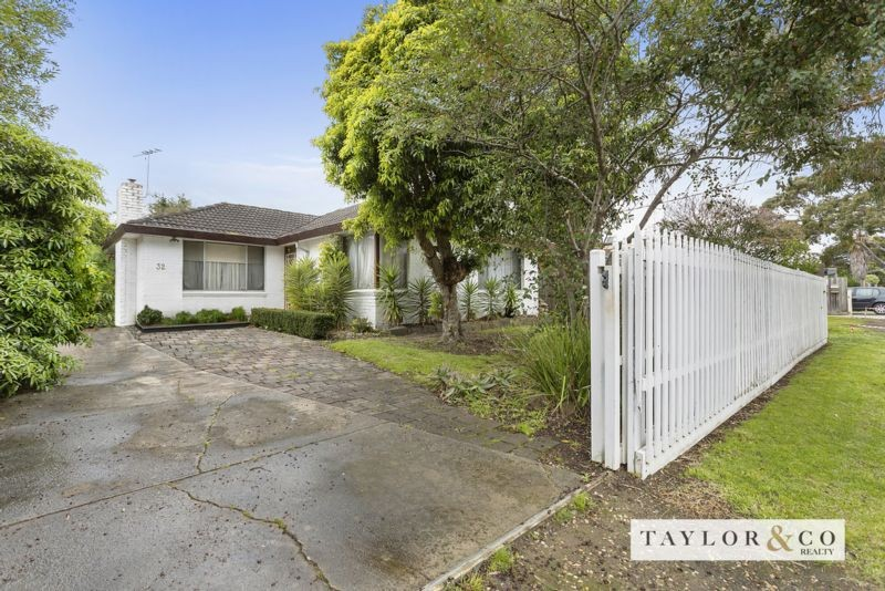 32 Swansea Grove MORNINGTON