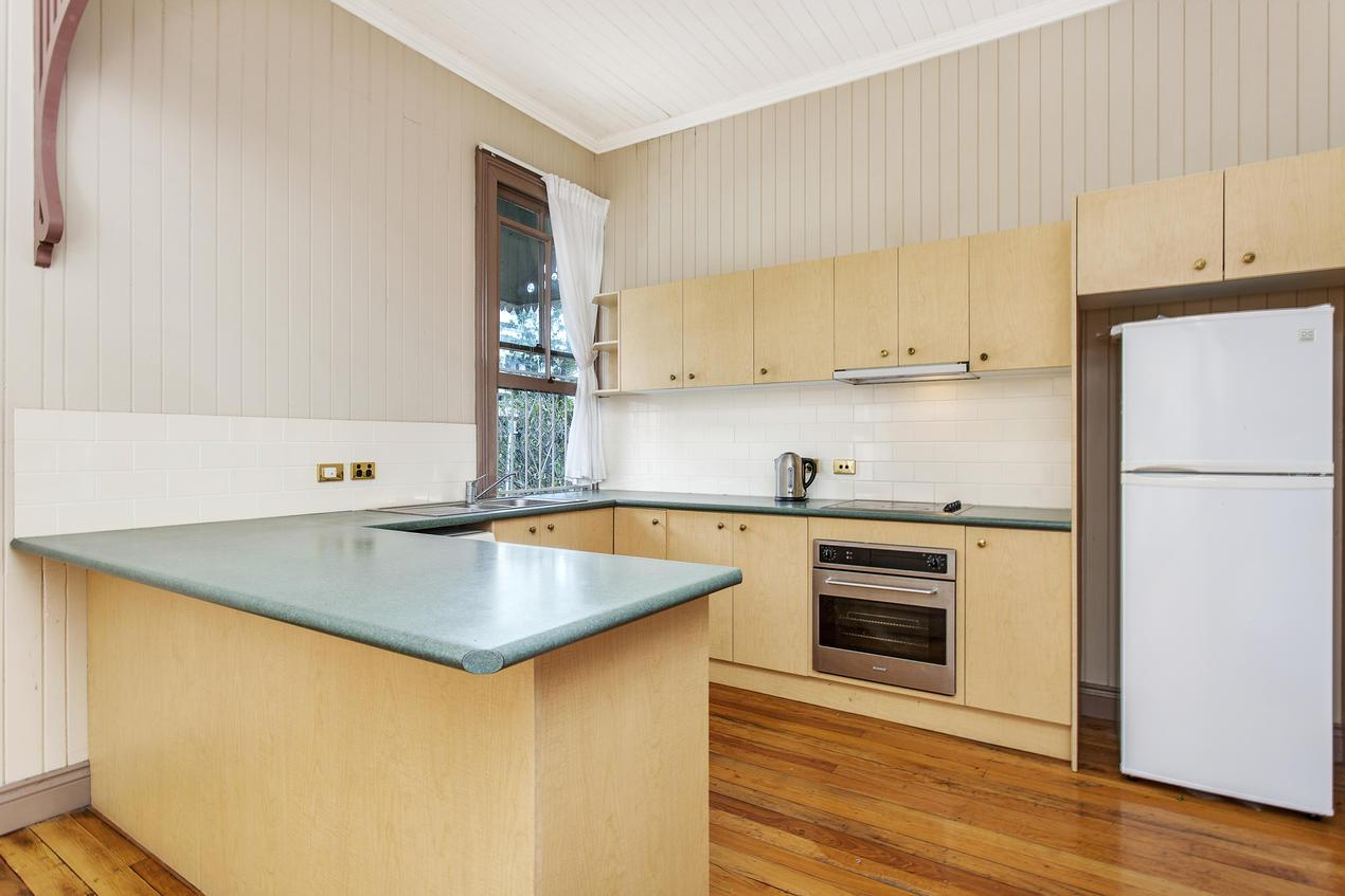 32A Middle Street HIGHGATE HILL