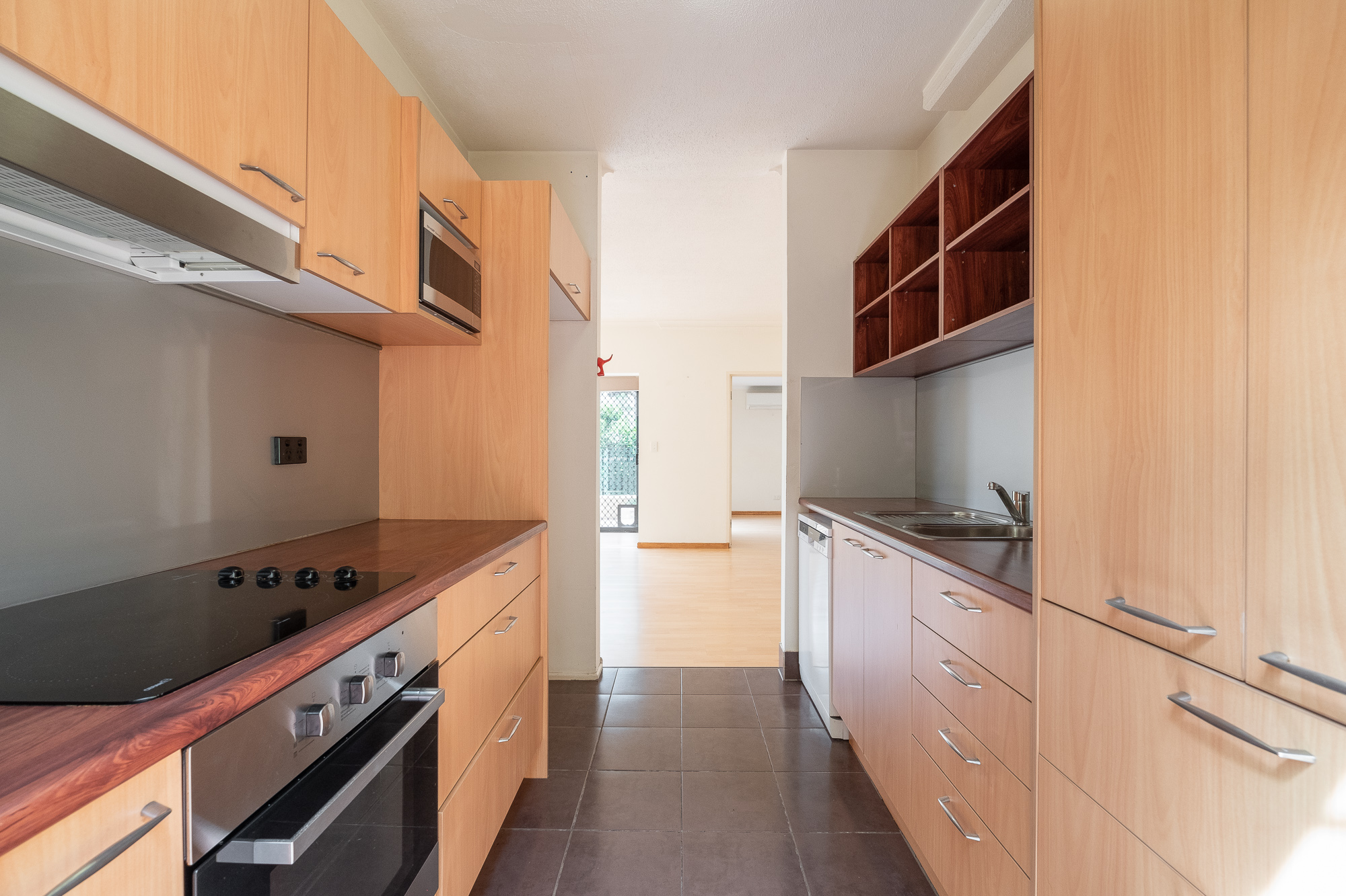 1/83 Gladstone Road HIGHGATE HILL