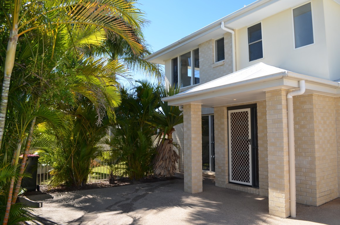 1/13 Mayfair Drive EMERALD