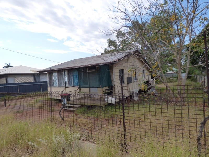 21 Hilary Street MOUNT ISA