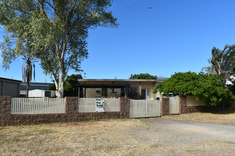 3 Sunset Drive MOUNT ISA