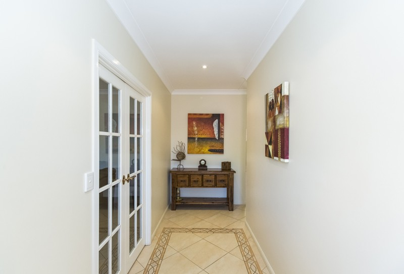 25 Paterson Crescent MOUNT ISA