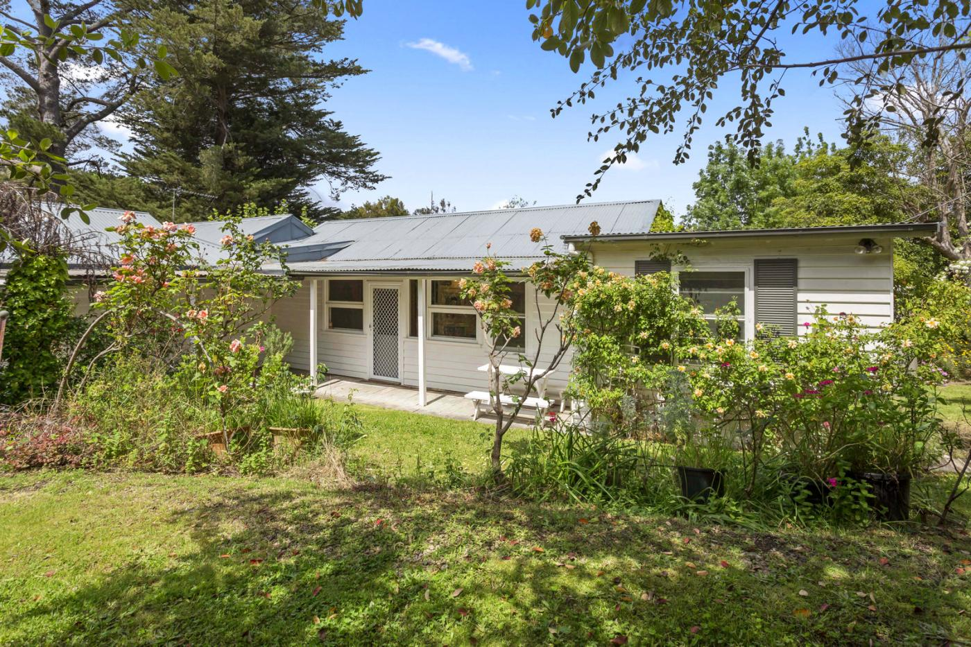 97 Two Bays Road MOUNT ELIZA