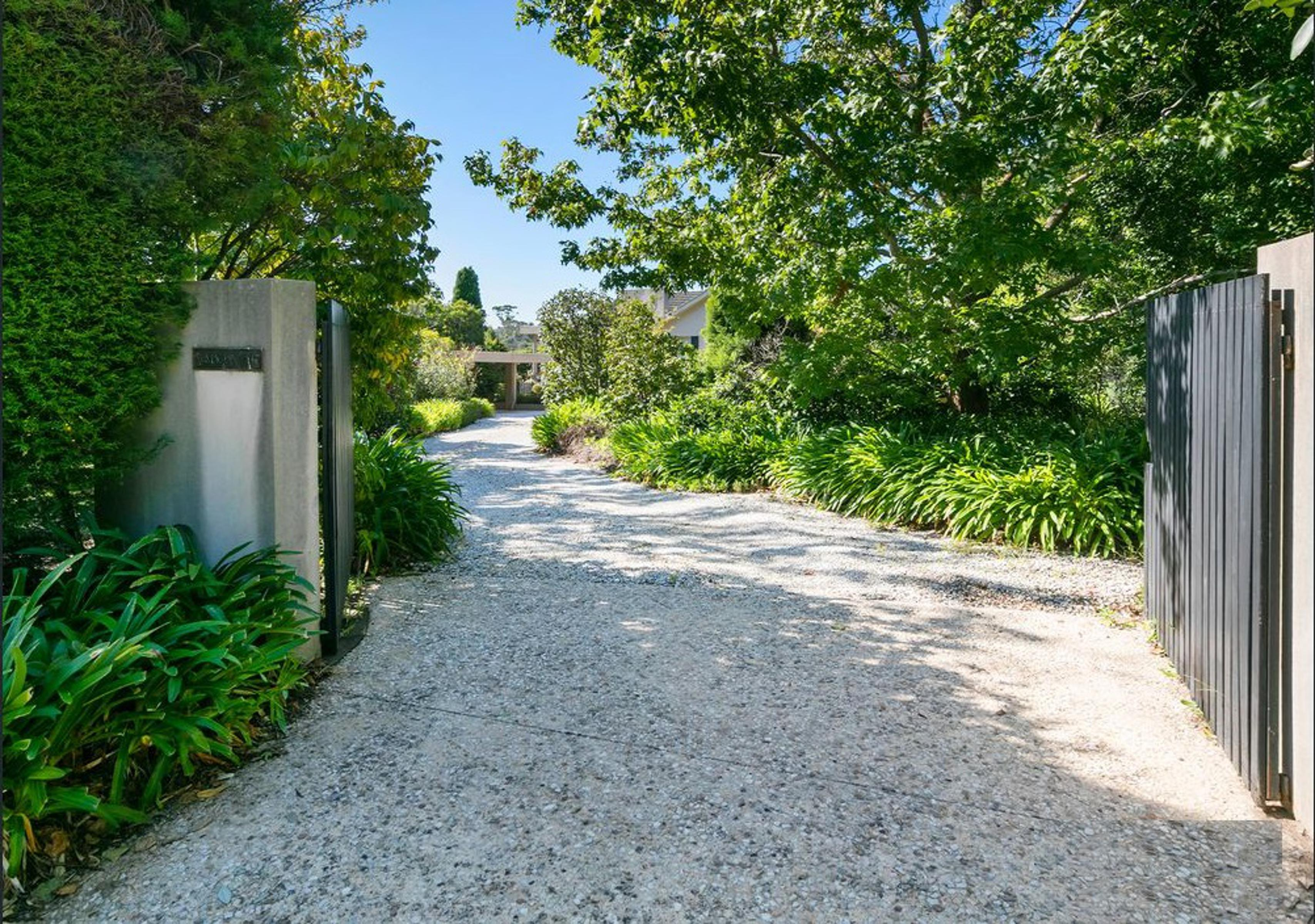 41-43 Canadian Bay Road Mount Eliza