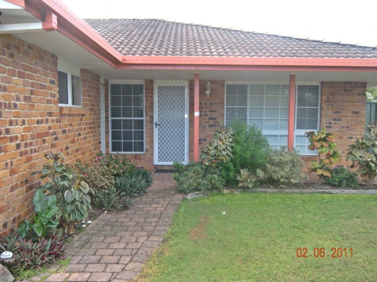 1/152 Broadwater Ave