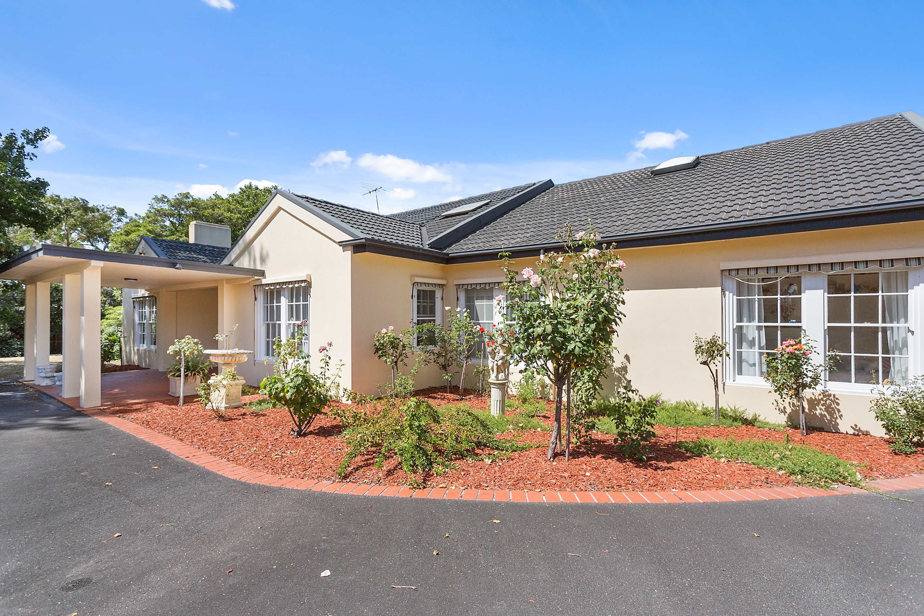 72 OLD MORNINGTON RD MOUNT ELIZA