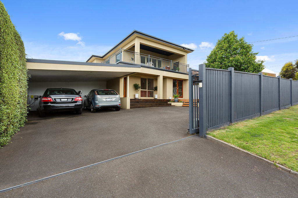 17 Ti-Tree Grove MORNINGTON
