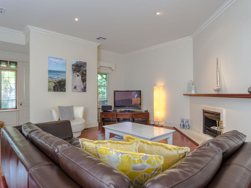 5 Queens Road SORRENTO