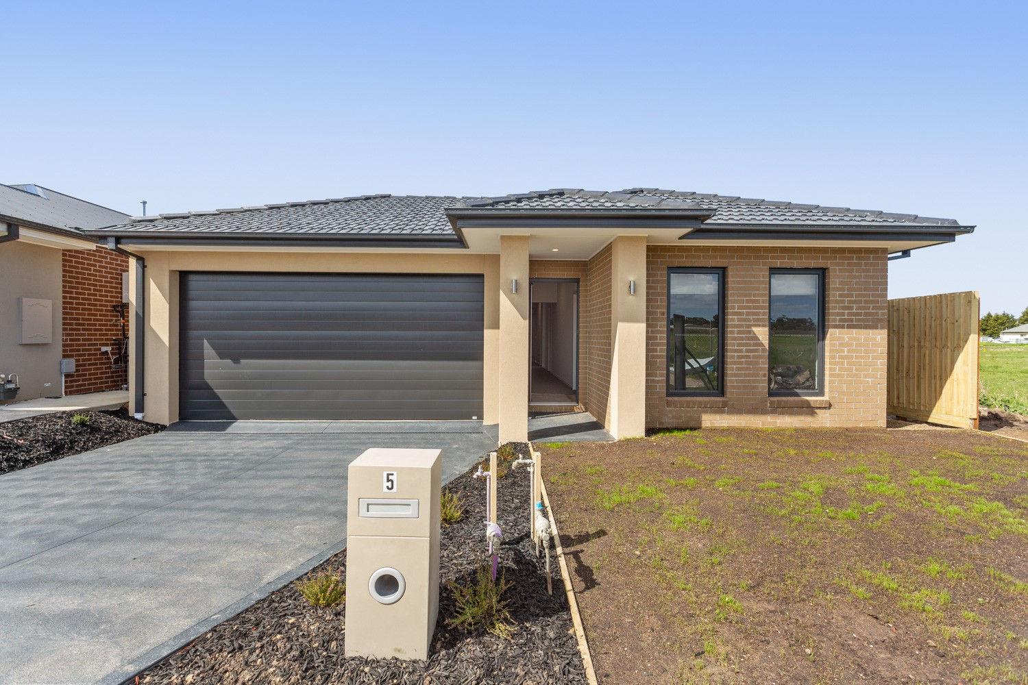 5 Wayne Terrace CRANBOURNE EAST