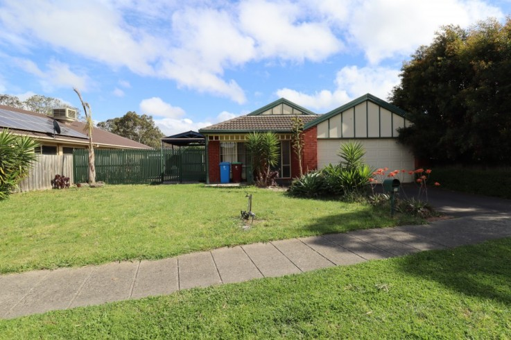 38 Henry Lawson Drive