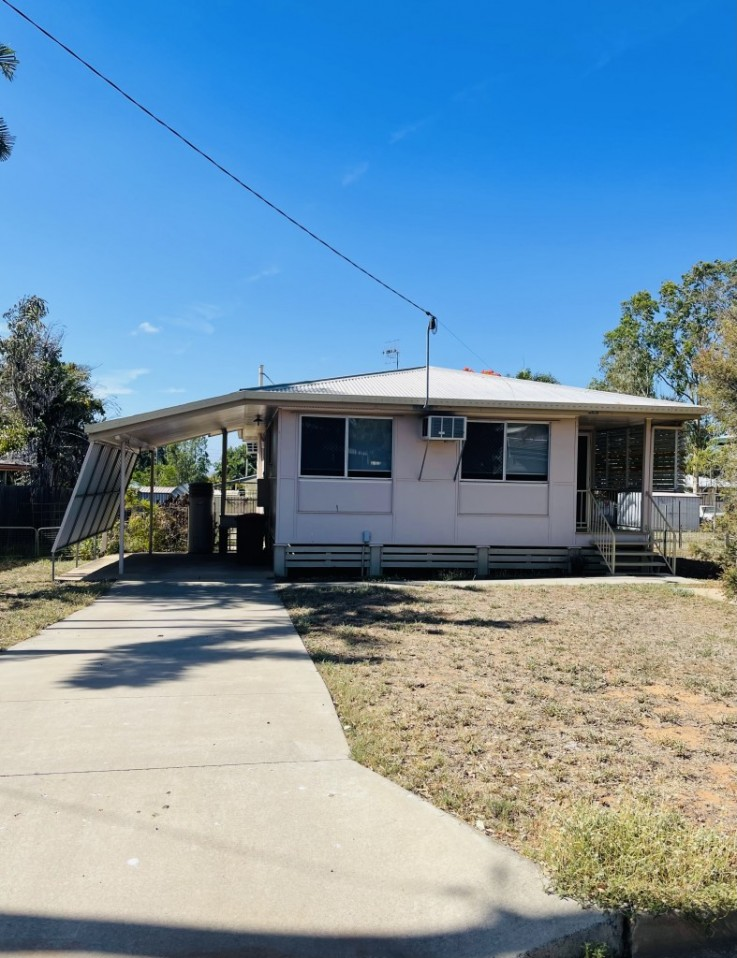 7 OXLEY DRIVE