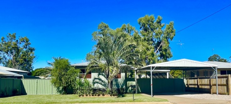 13 OXLEY DRIVE
