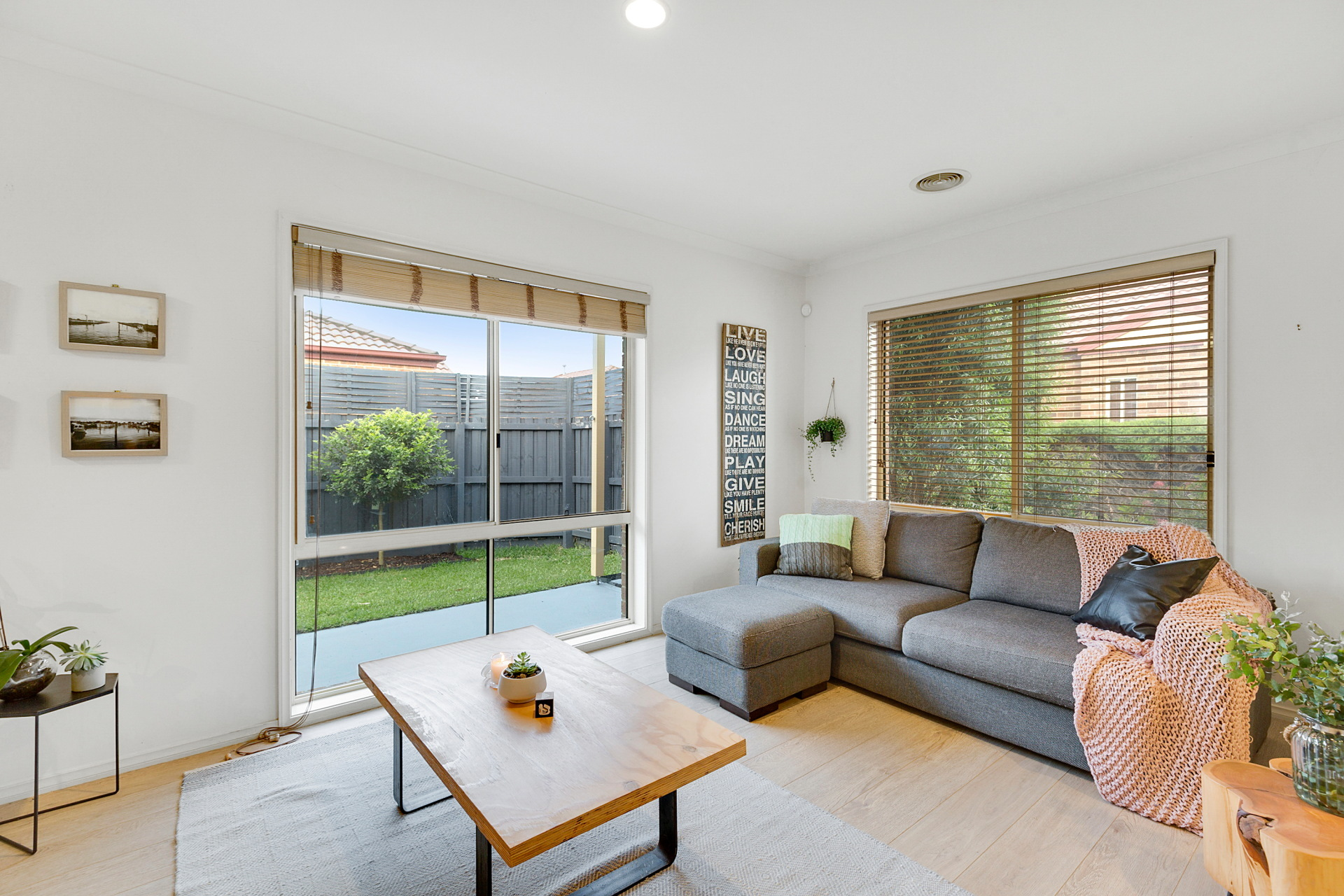 2/145 Austin Road Seaford