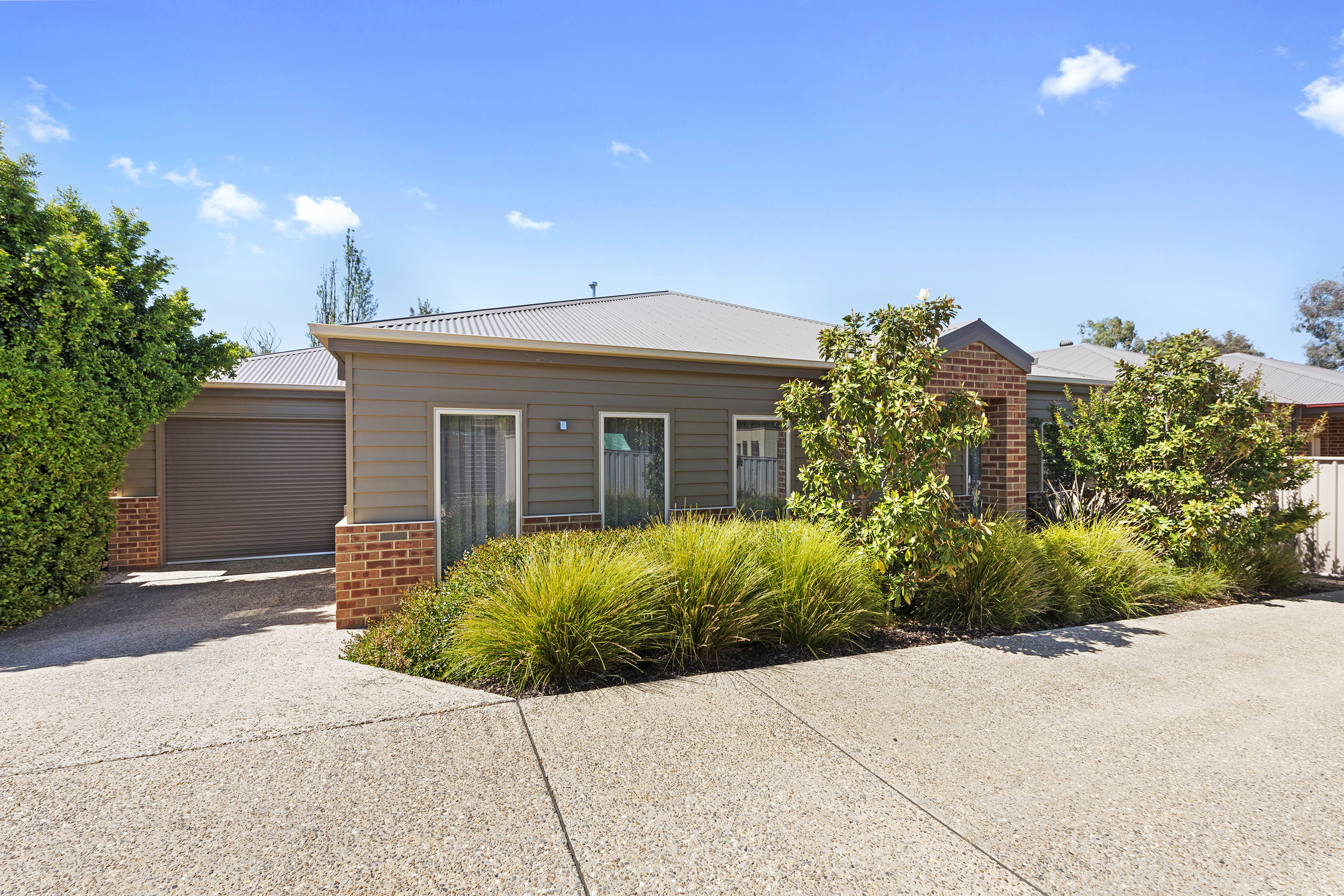 4/27 MacDougall Road GOLDEN SQUARE