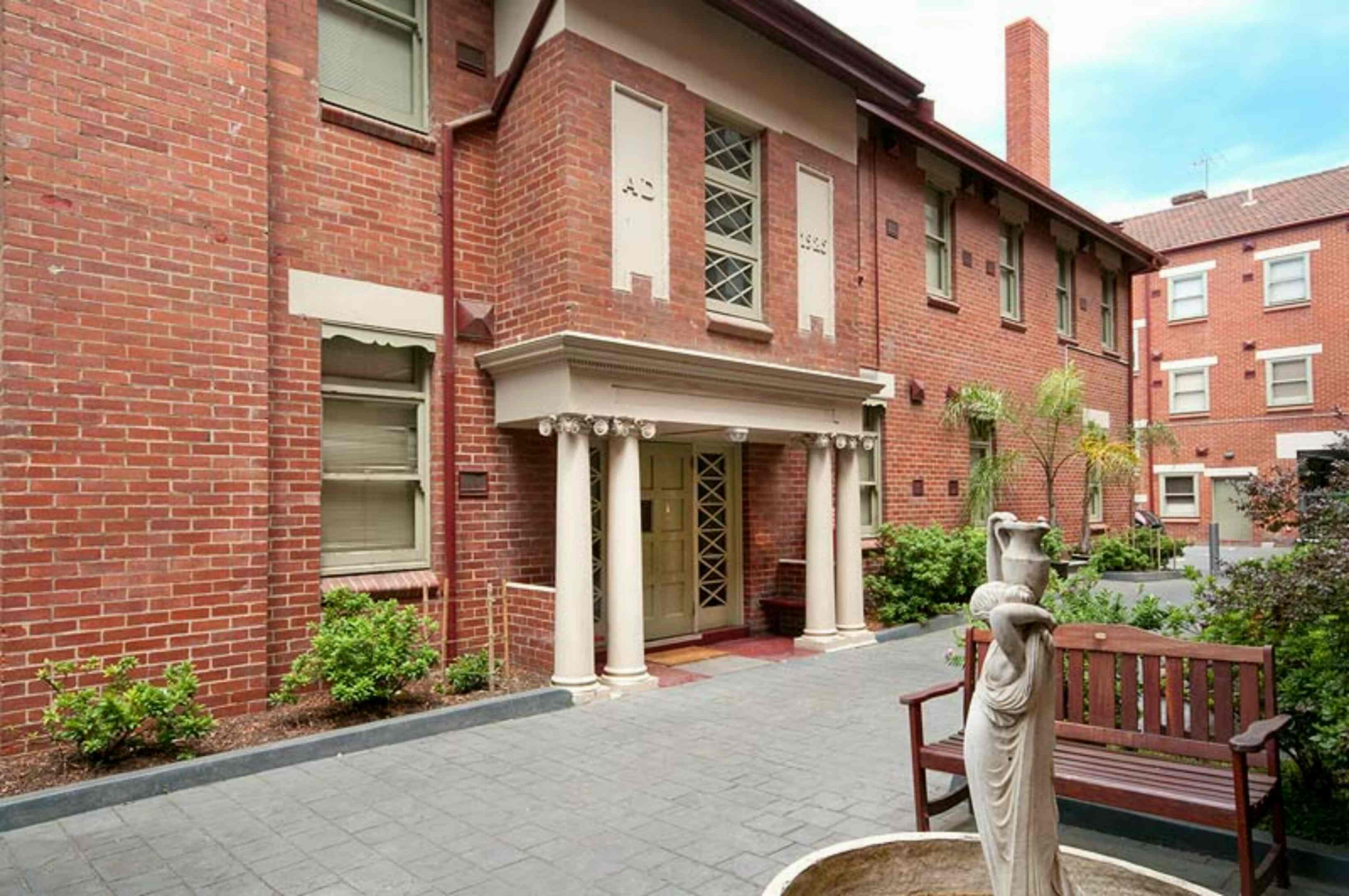 501/45 Victoria Parade COLLINGWOOD