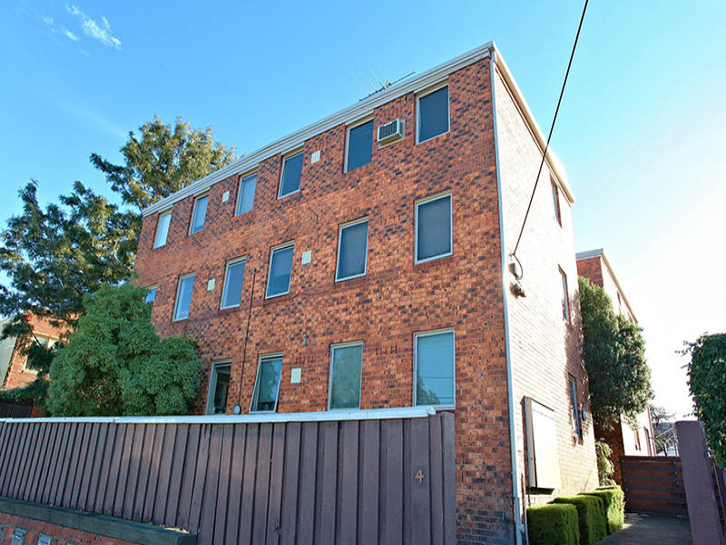 2/4 Wright Street CLIFTON HILL