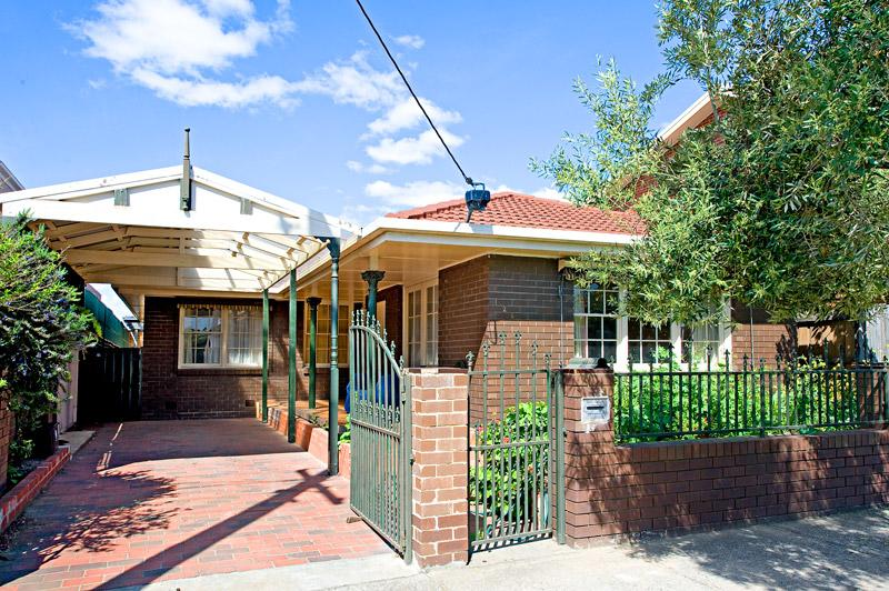1/126 Melville Road BRUNSWICK WEST