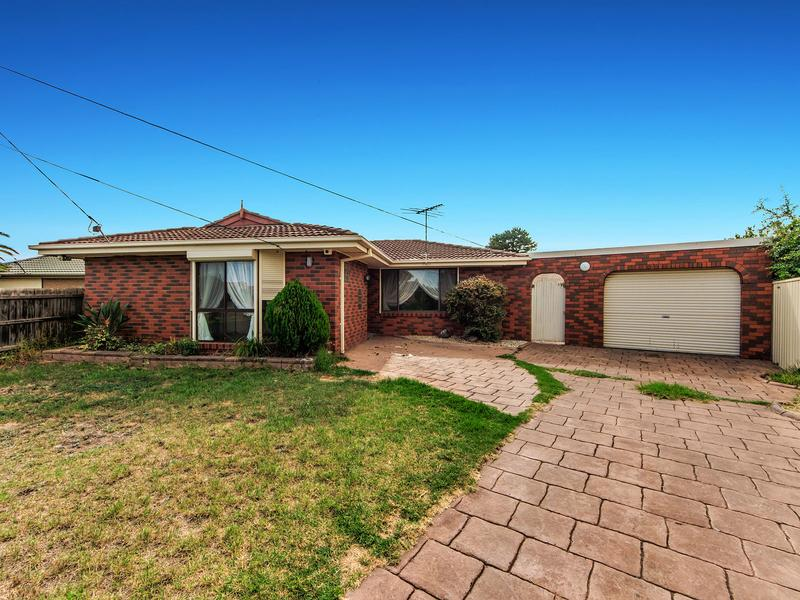 14 Hedland Place KINGS PARK