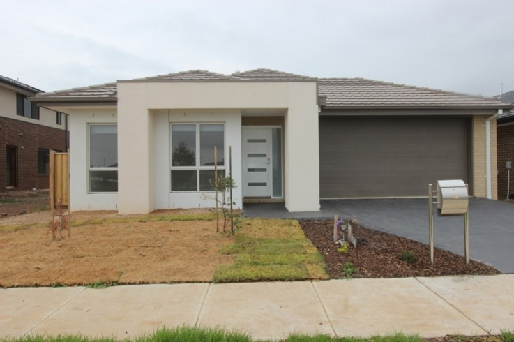 12 Hornsby Crescent