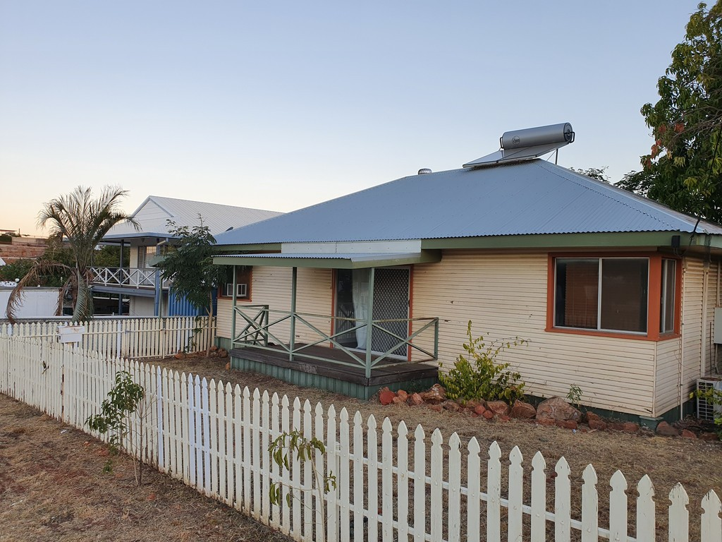 19 Fifteenth Avenue MOUNT ISA