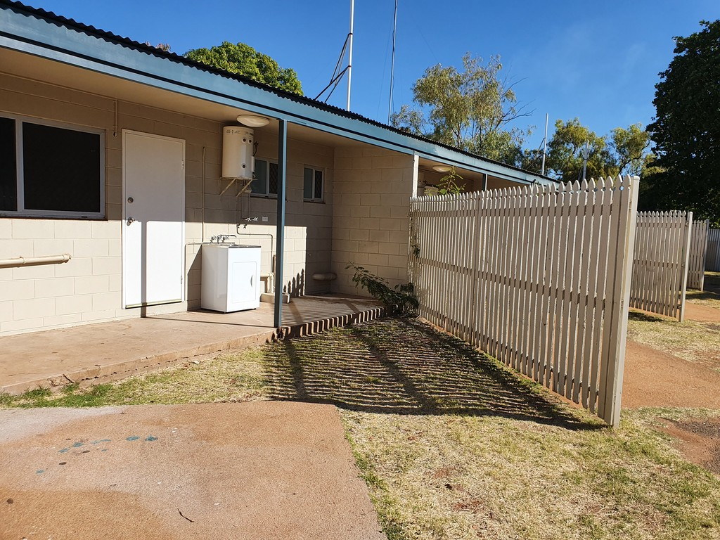2/3 Kaeser Road MOUNT ISA