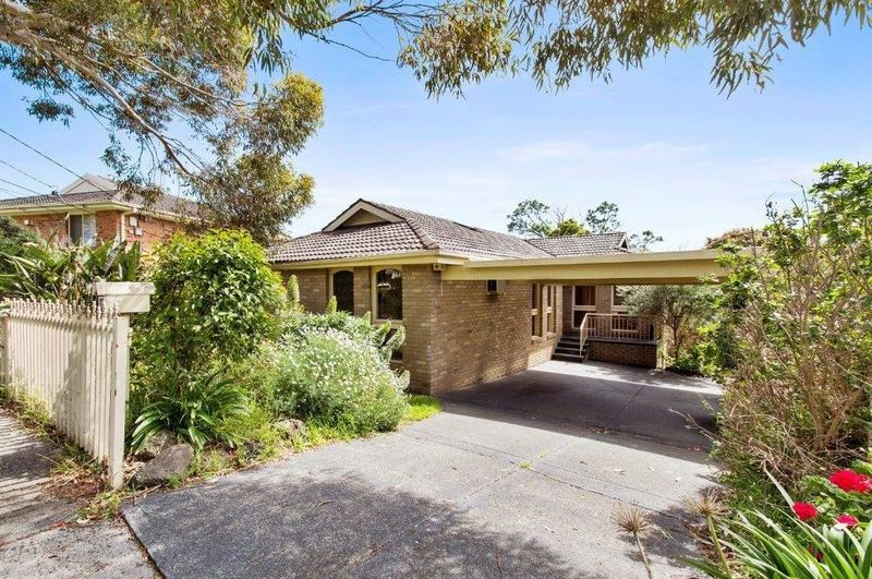 17 Narallah Grove BOX HILL NORTH