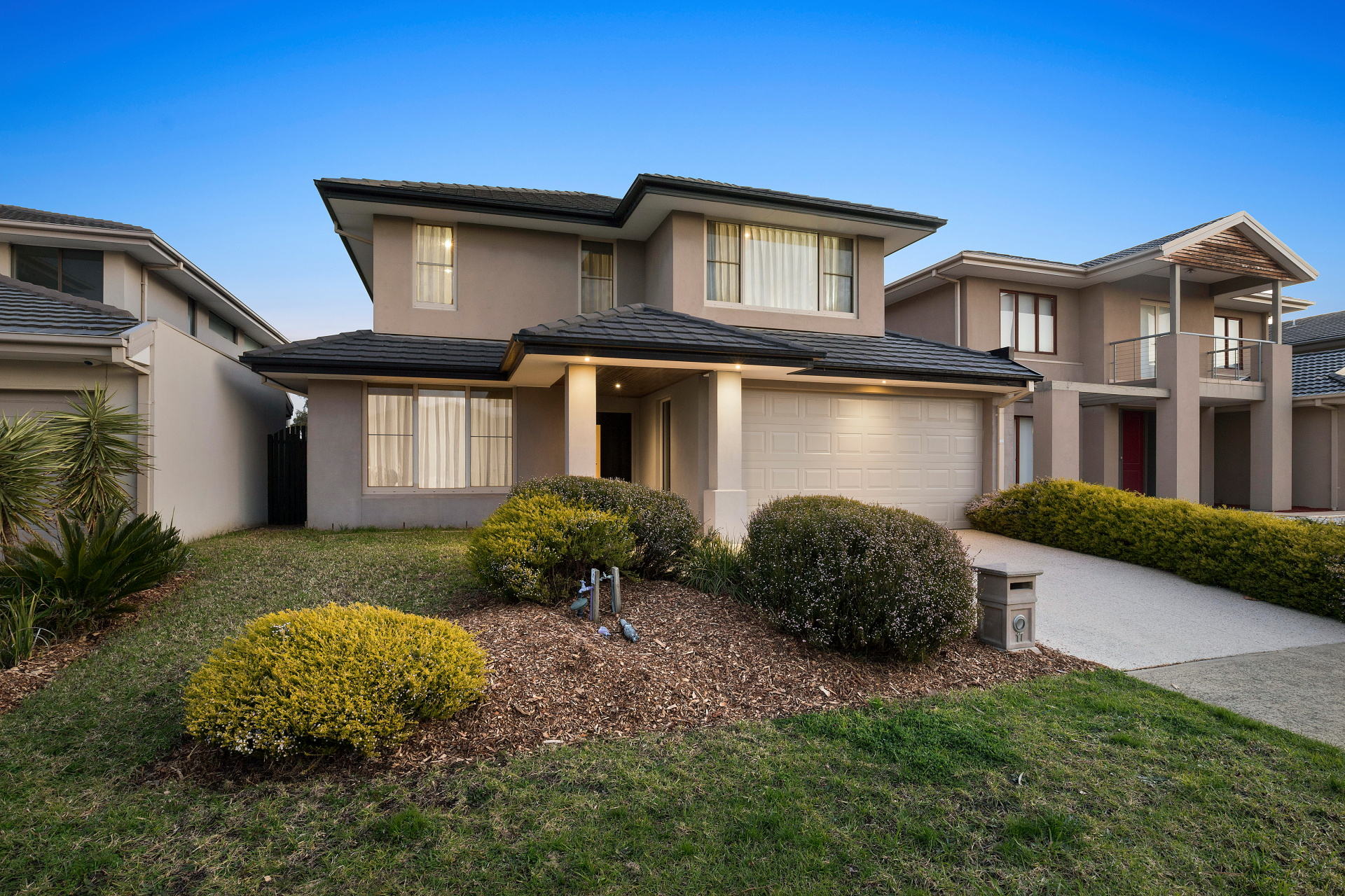 17 Ferrier Close SANDHURST