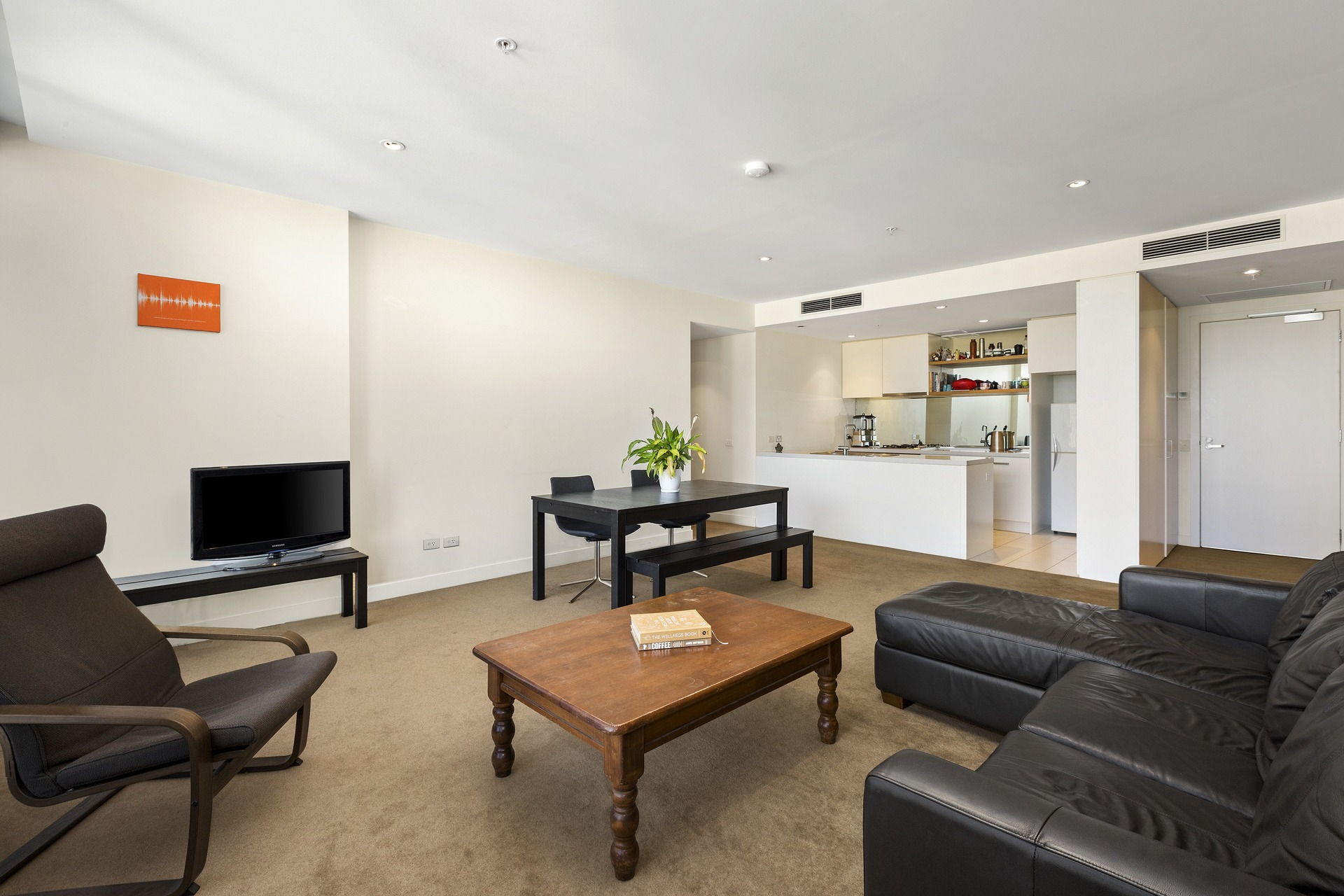 1910/1 Freshwater Place Southbank