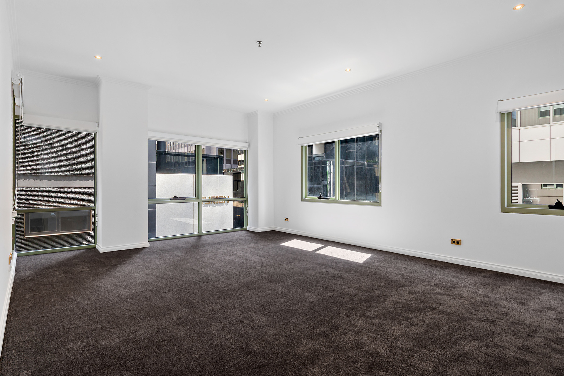 108/15 Queens Road Melbourne
