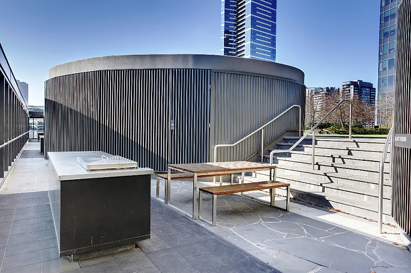 2209/1 Freshwater Place SOUTHBANK