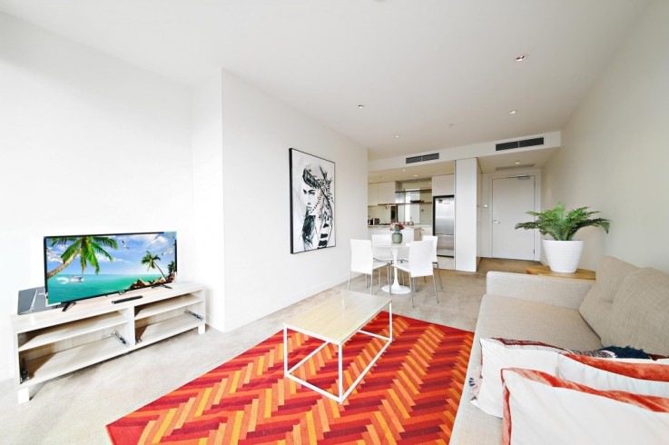 2402/1 Freshwater Place