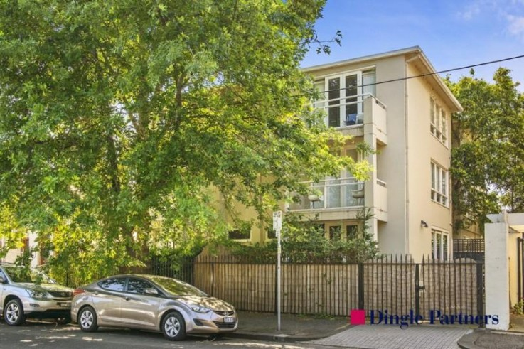 1/8 Pasley Street