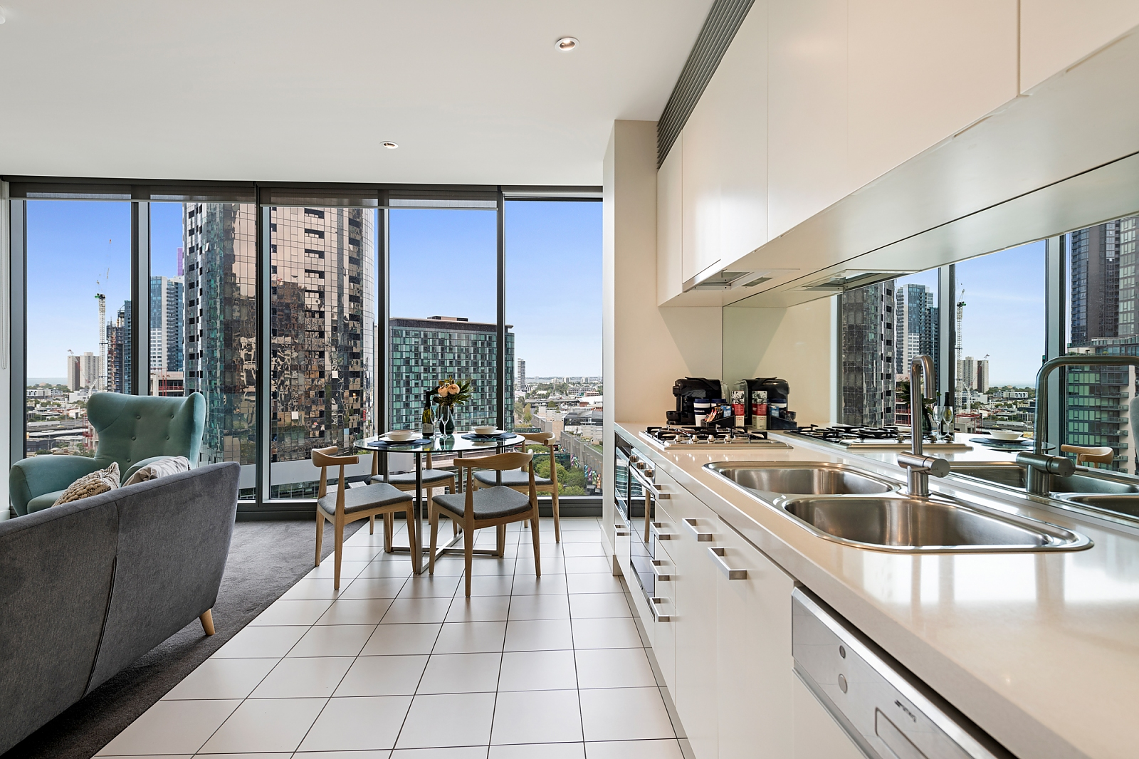 1611/1 Freshwater Place SOUTHBANK