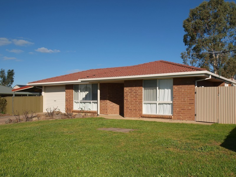97 Hurling Drive MOUNT BARKER